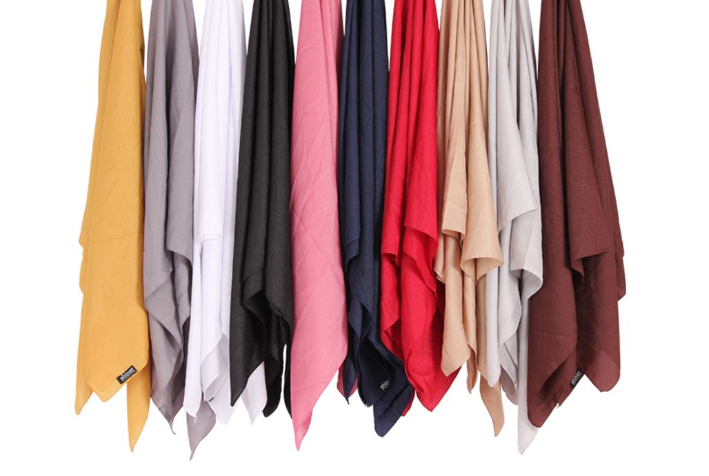 6. Hampers Hijab