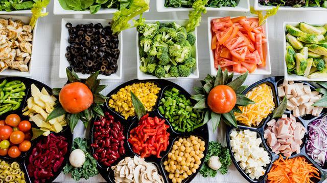 8. Mengonsumsi Makanan Kaya Serat