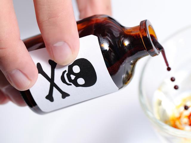 8. Minuman yang Membahayakan Diri