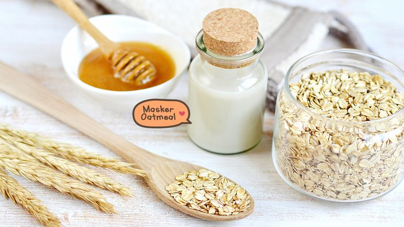 1. Masker Oatmeal dan Madu untuk Scrub Wajah