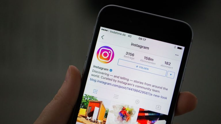 1. Manfaatkan Sosial Media