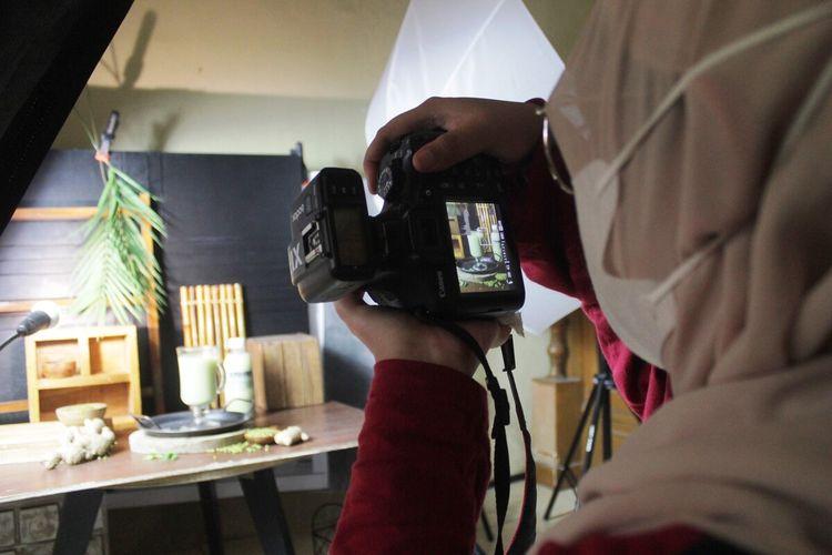 2. Fotografer Lepas