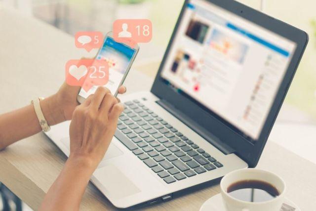 4. Admin Media Sosial